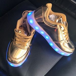Led shoes gold color for kids